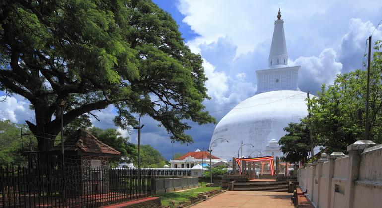 Anuradhapura tour attractions