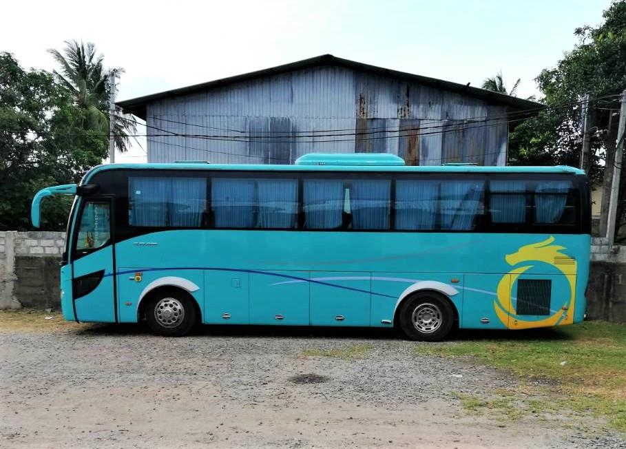 Randidu-Cabs-Vehicle-Fleet-Luxary-Bus1